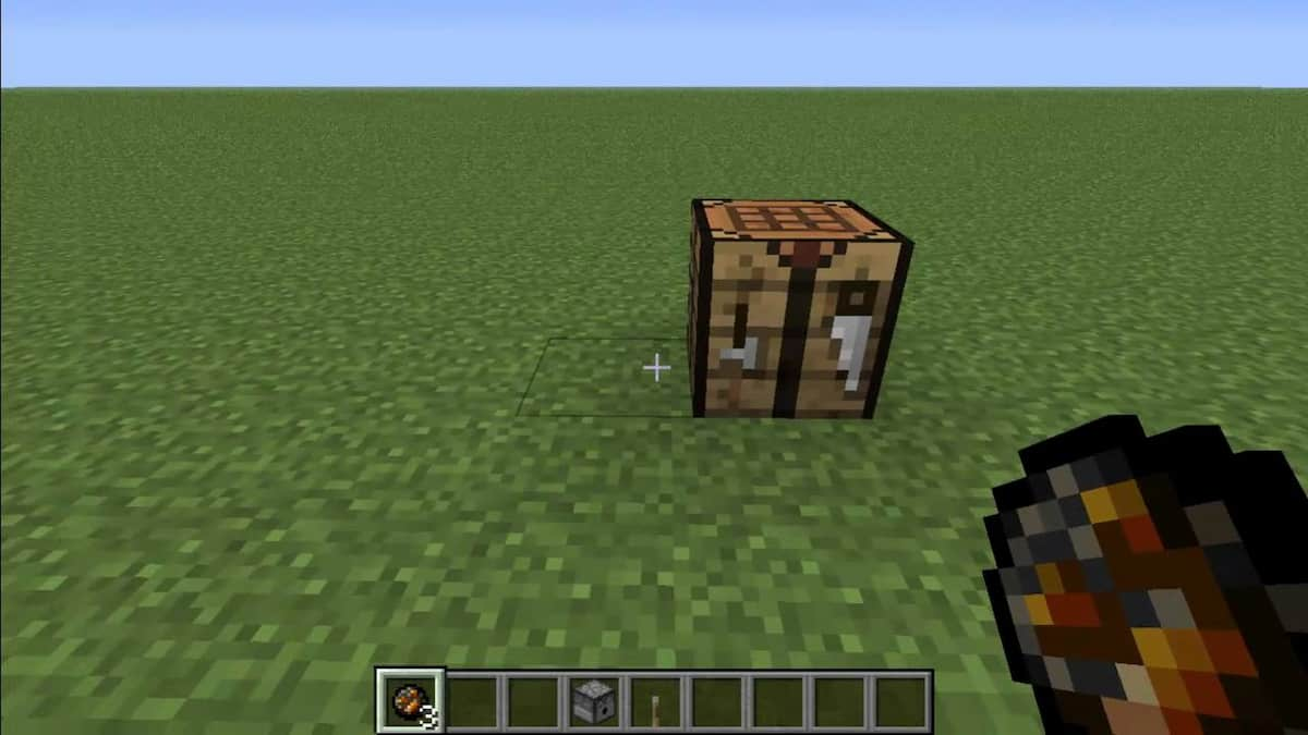 Fire charge & a Crafting table in Minecraft